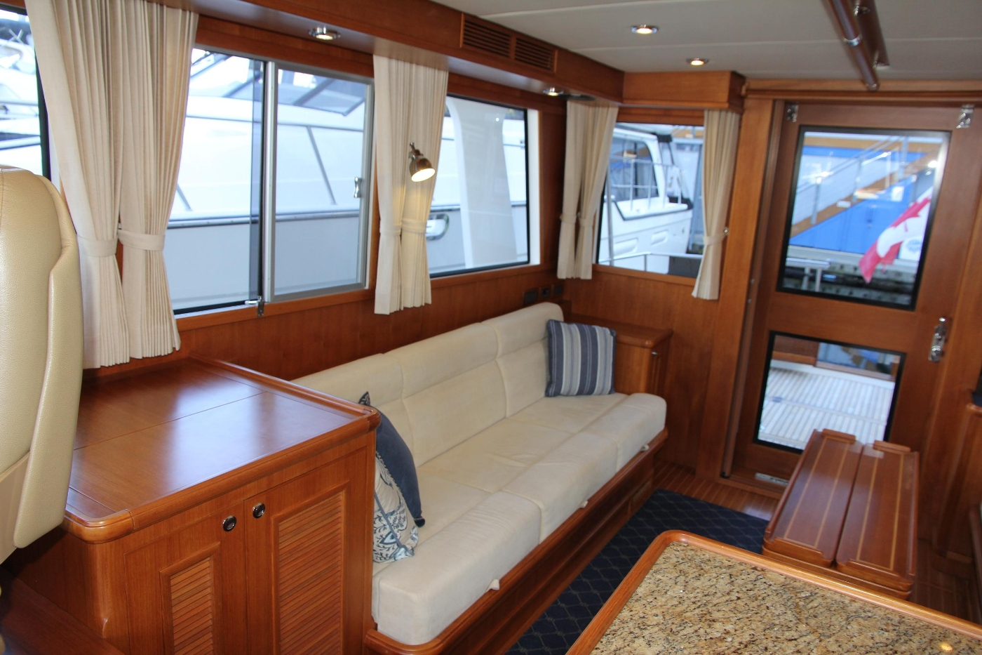 2009 Grand Banks 47 Europa, Starboard Settee Aft