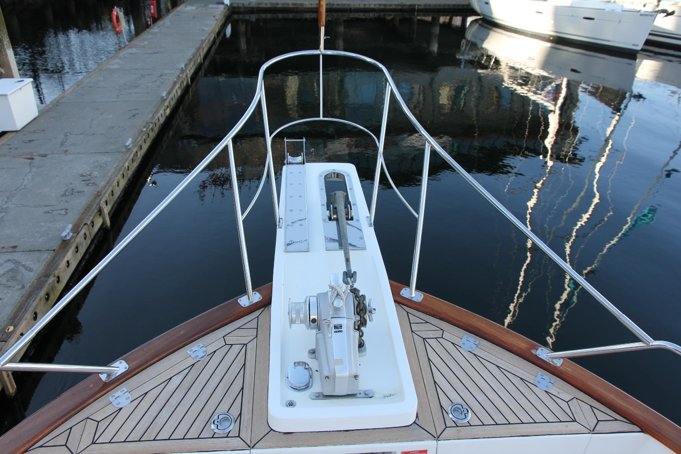 2009 Grand Banks 47 Europa, Bow Pulpit
