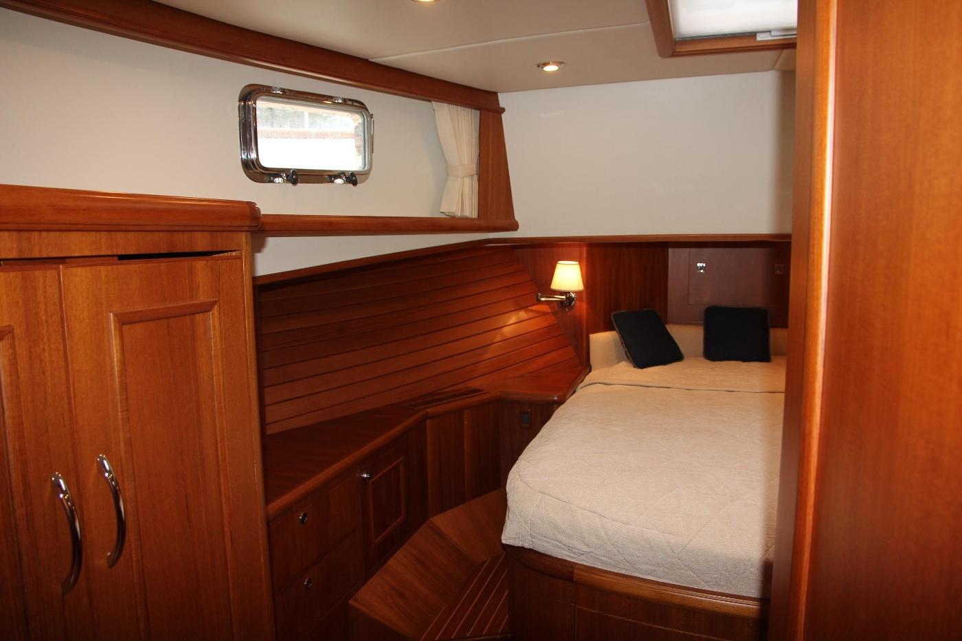 2009 Grand Banks 47 Europa, Master Cabin Port