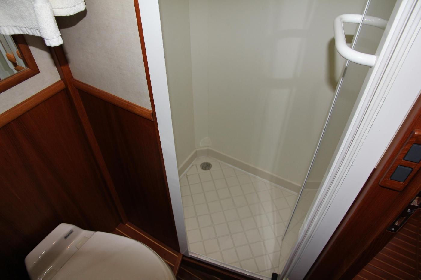 2009 Grand Banks 47 Europa, Shower Stall