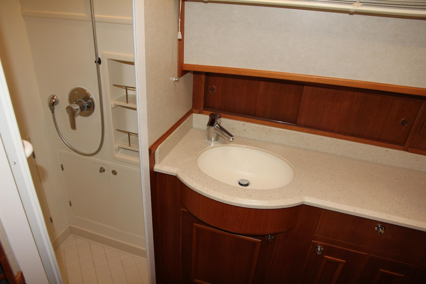 2009 Grand Banks 47 Europa, Vanity and Shower