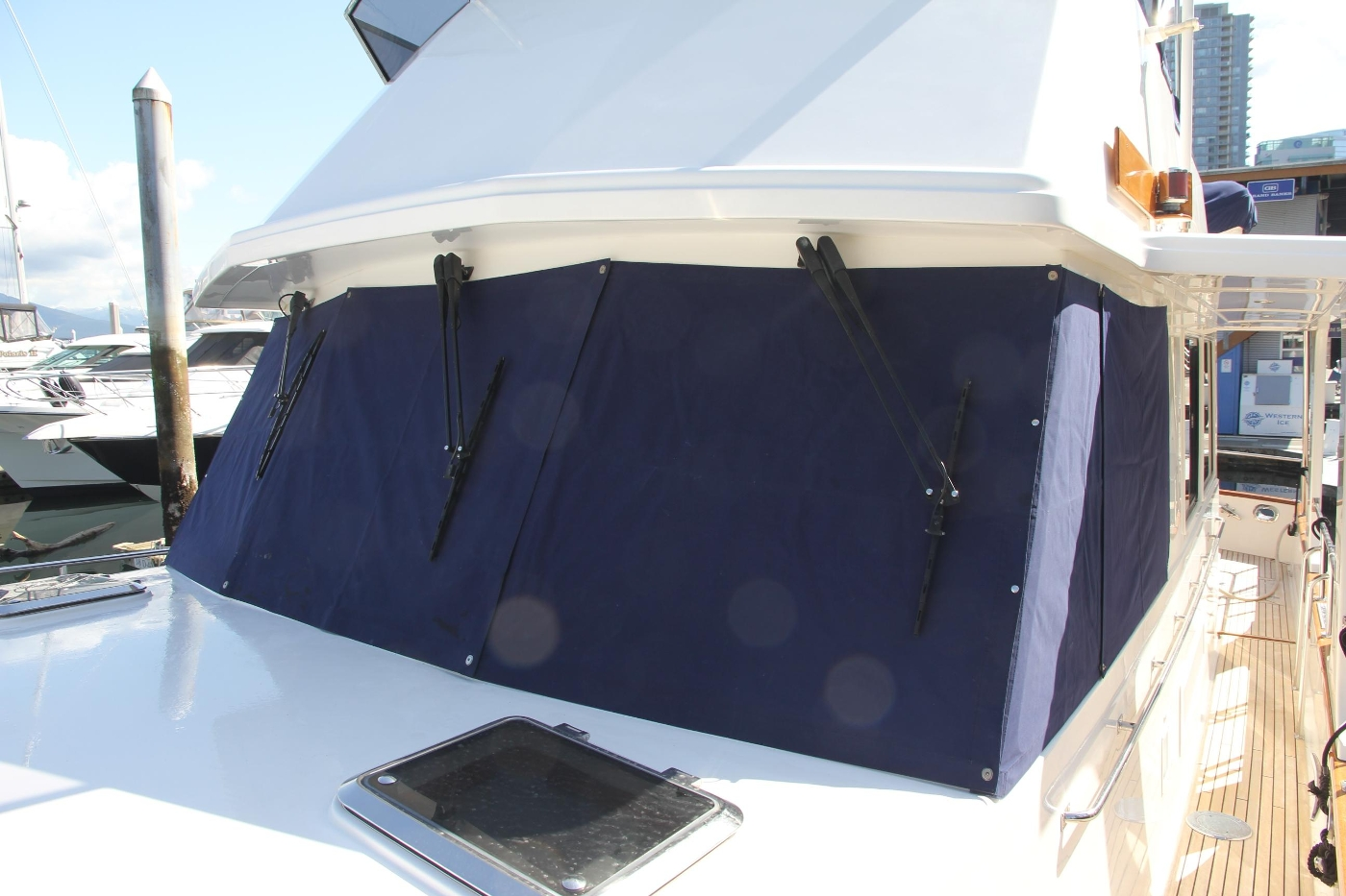 2009 Grand Banks 47 Europa, Windshield Covers