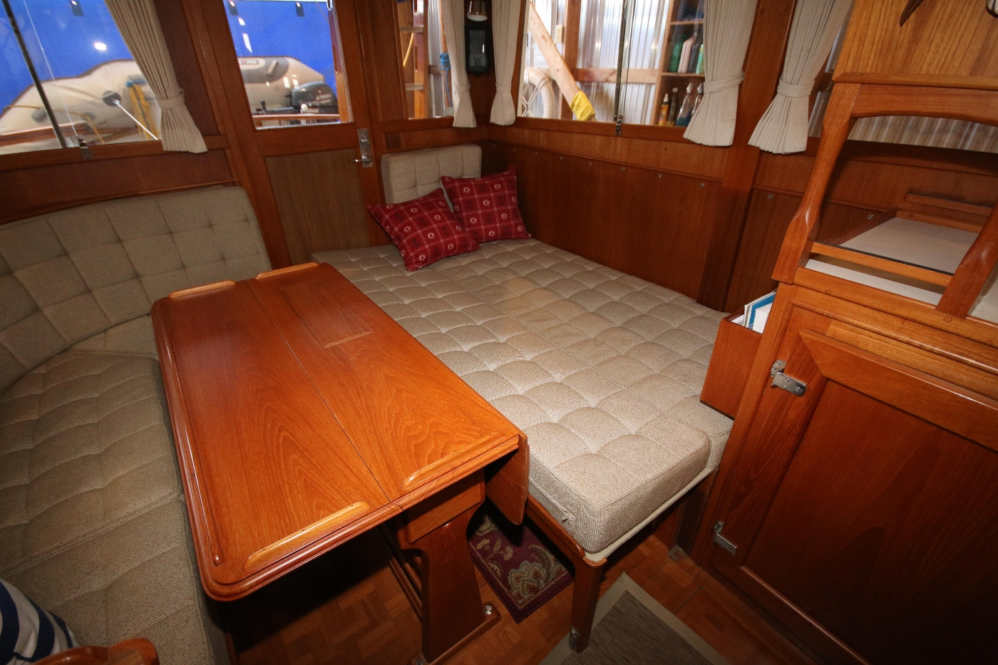 1988 Grand Banks 32, Settee folds out to Double Berth
