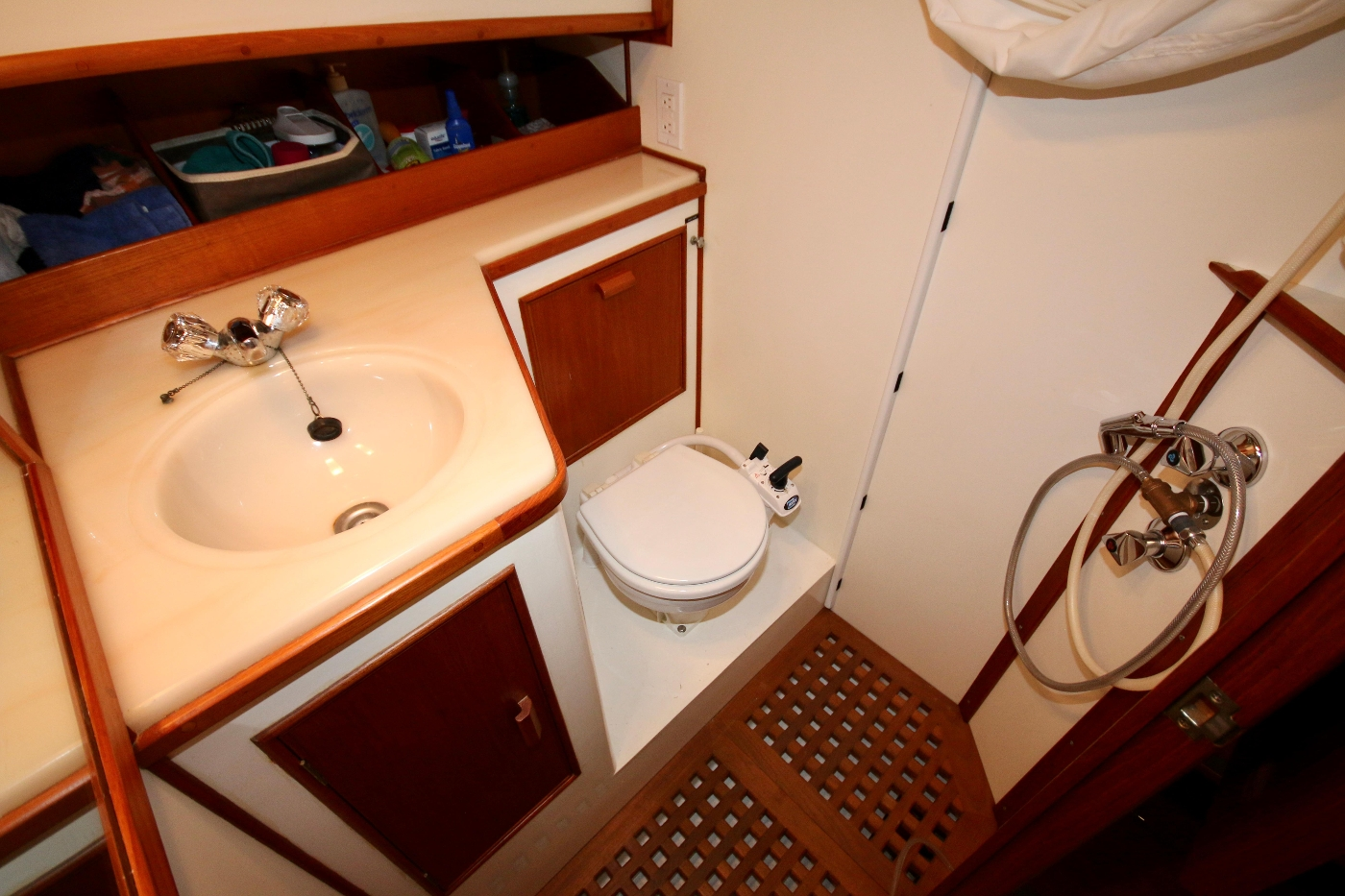 1988 Grand Banks 32, Head with Shower