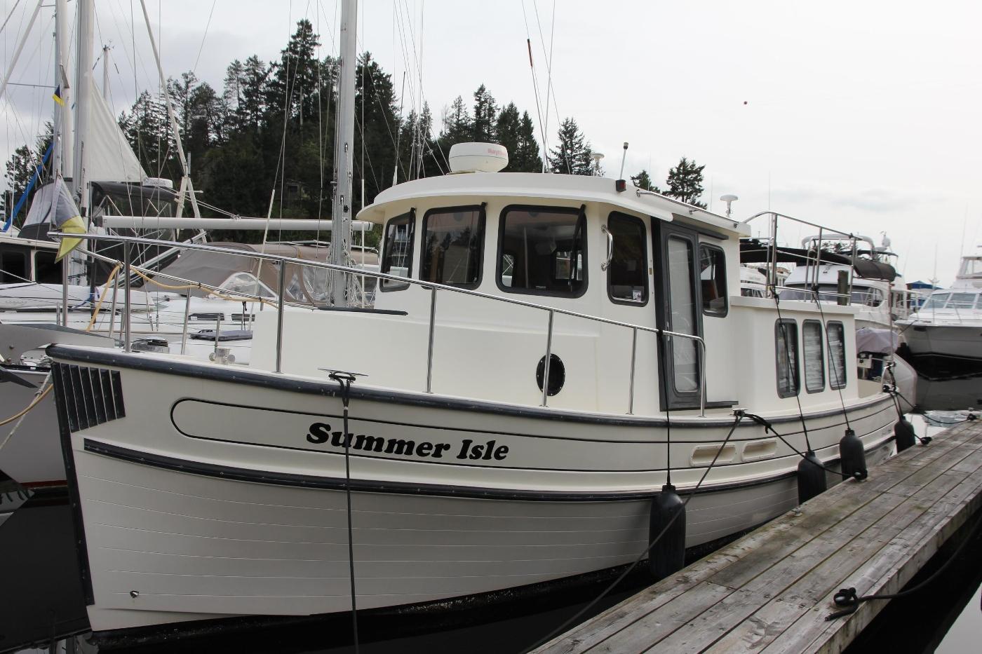 2001 Nordic Tugs 32 Pilothouse, Portside Profile
