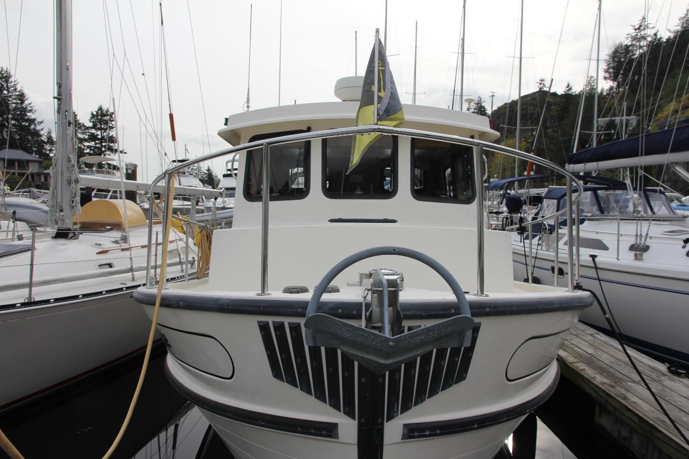2001 Nordic Tugs 32 Pilothouse, Forward Profile