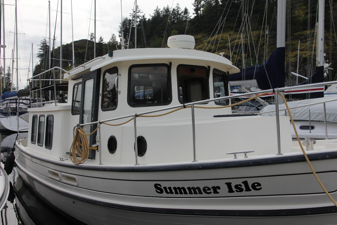 2001 Nordic Tugs 32 Pilothouse, Starboard Profile