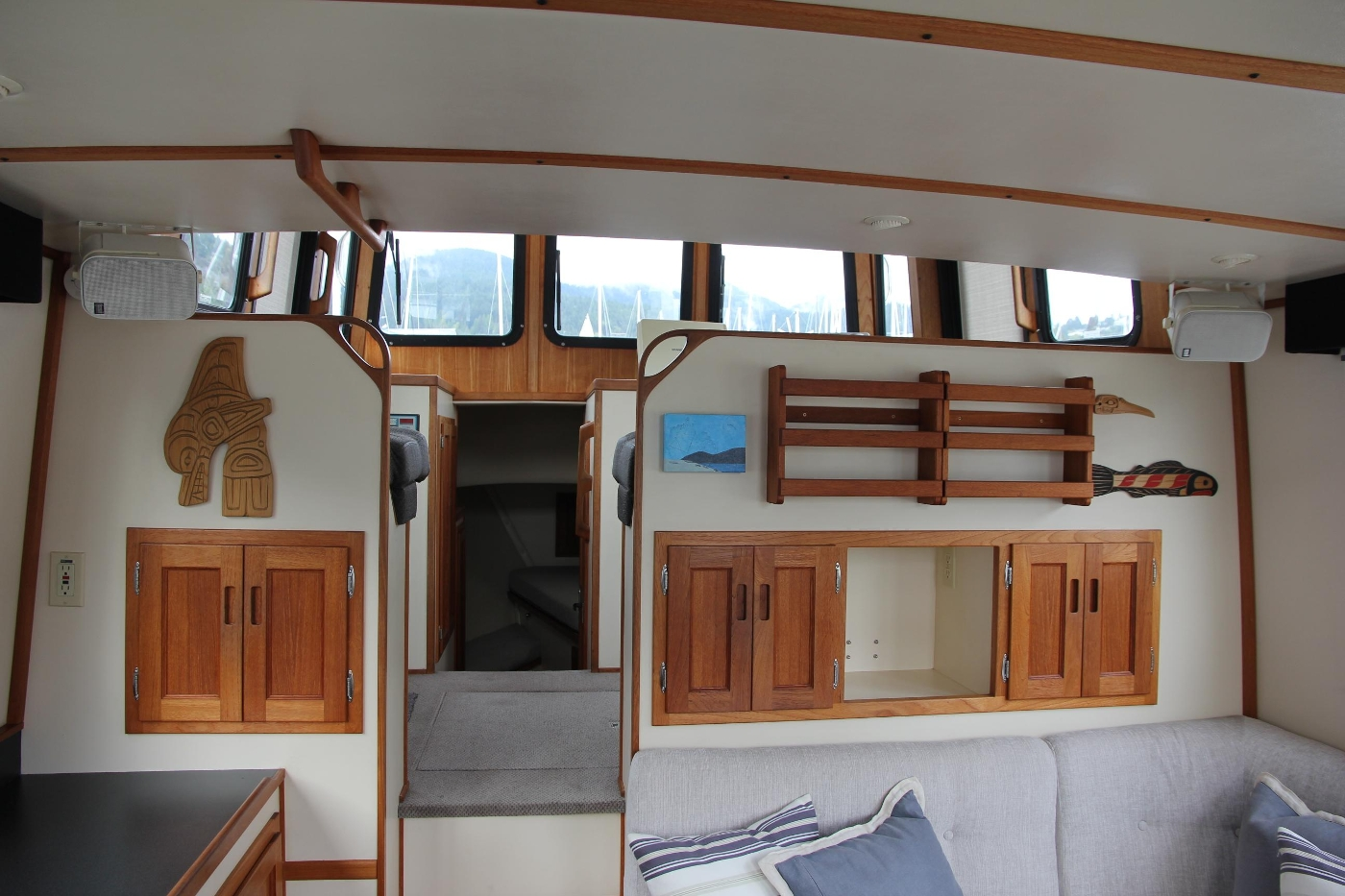 2001 Nordic Tugs 32 Pilothouse, Salon Looking at Pilothouse
