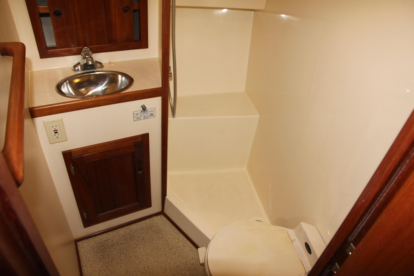 2001 Nordic Tugs 32 Pilothouse, Ensuite and Head