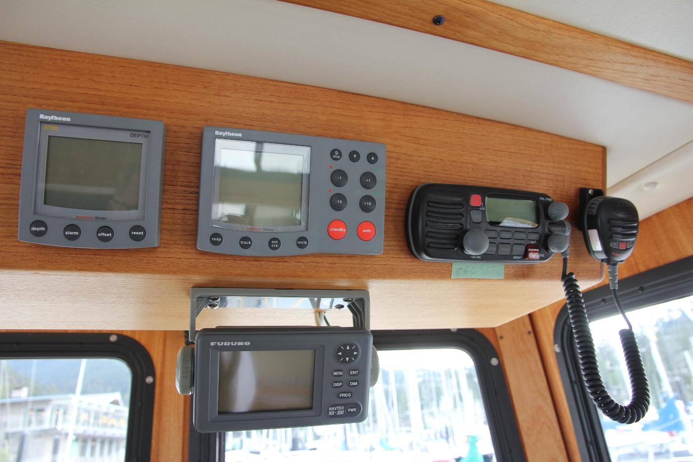 2001 Nordic Tugs 32 Pilothouse, Navigation Equipment