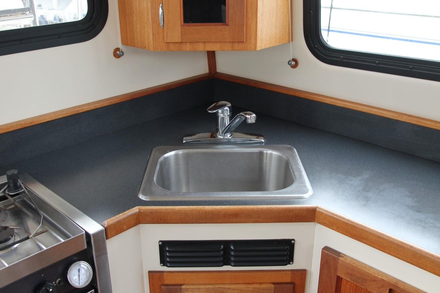 2001 Nordic Tugs 32 Pilothouse, Stainless Sink