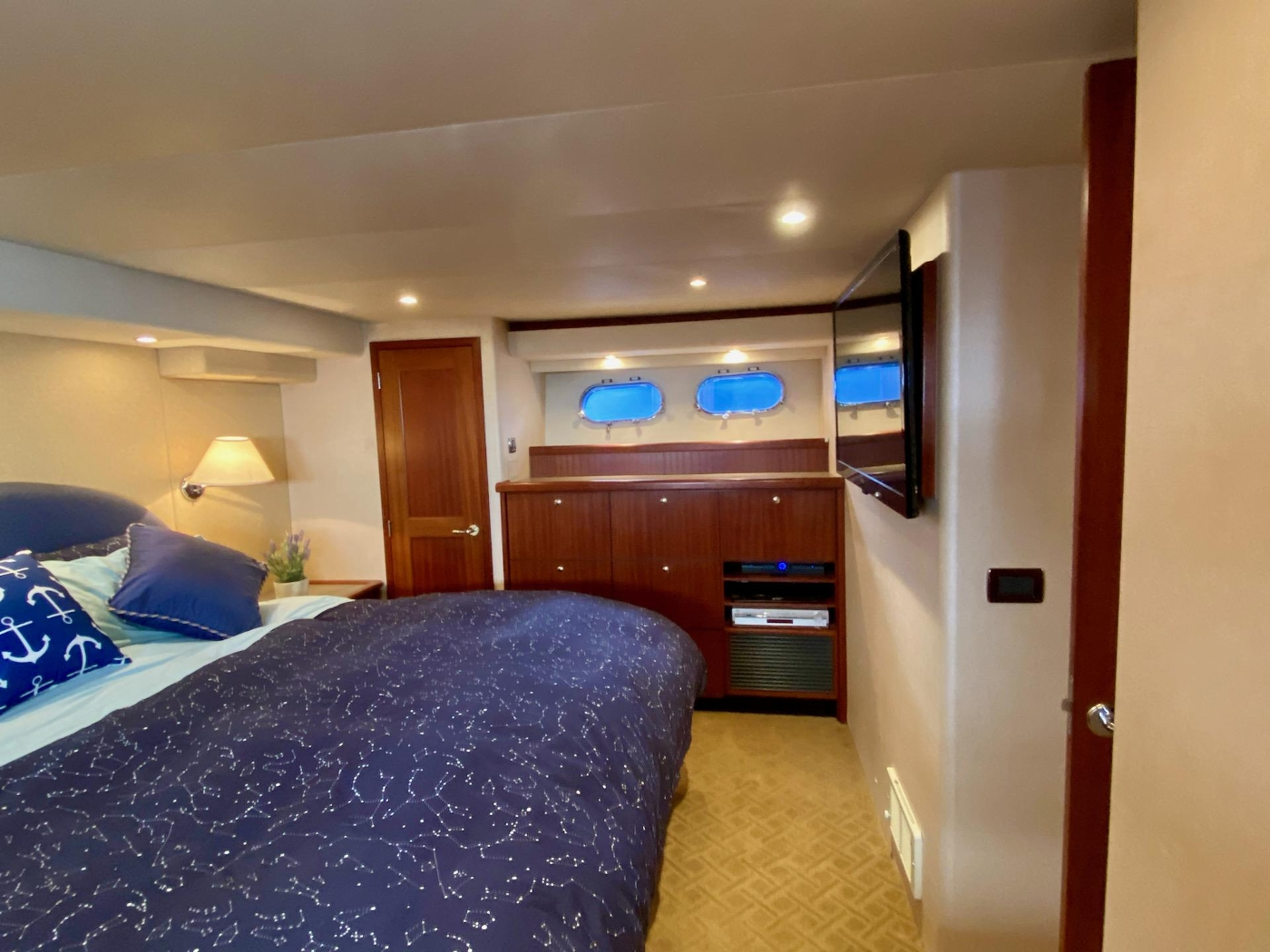 2004 Pacific Mariner 65 Diamond, Owners cabin