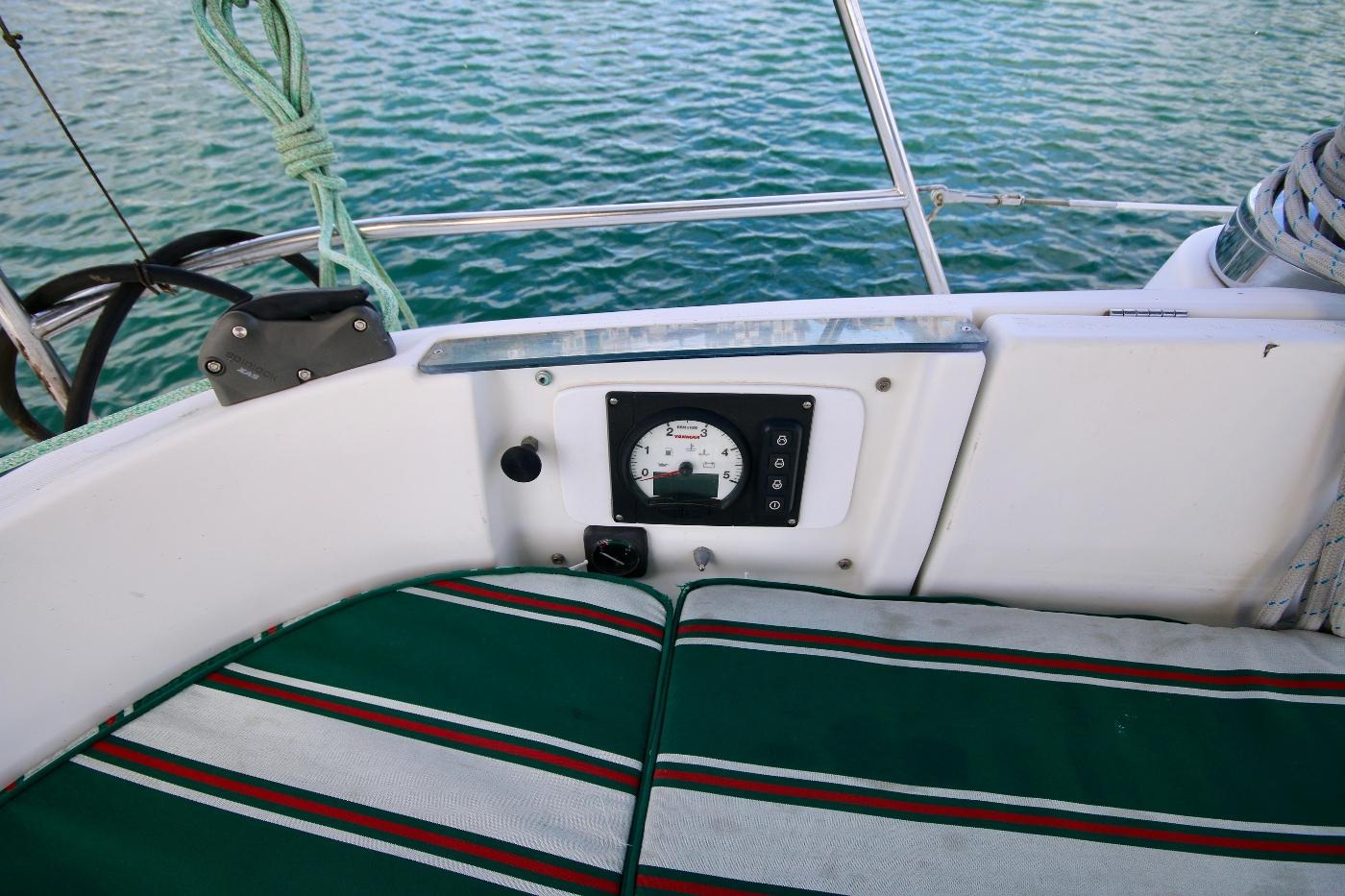1997 Beneteau Oceanis 461, Engine control panel
