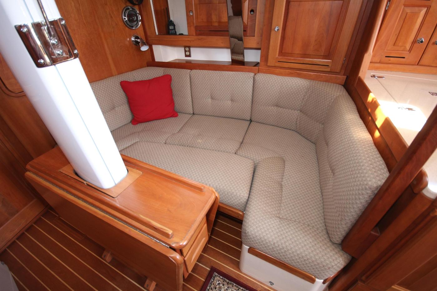 2003 Tartan 3700, Double berth in saloon