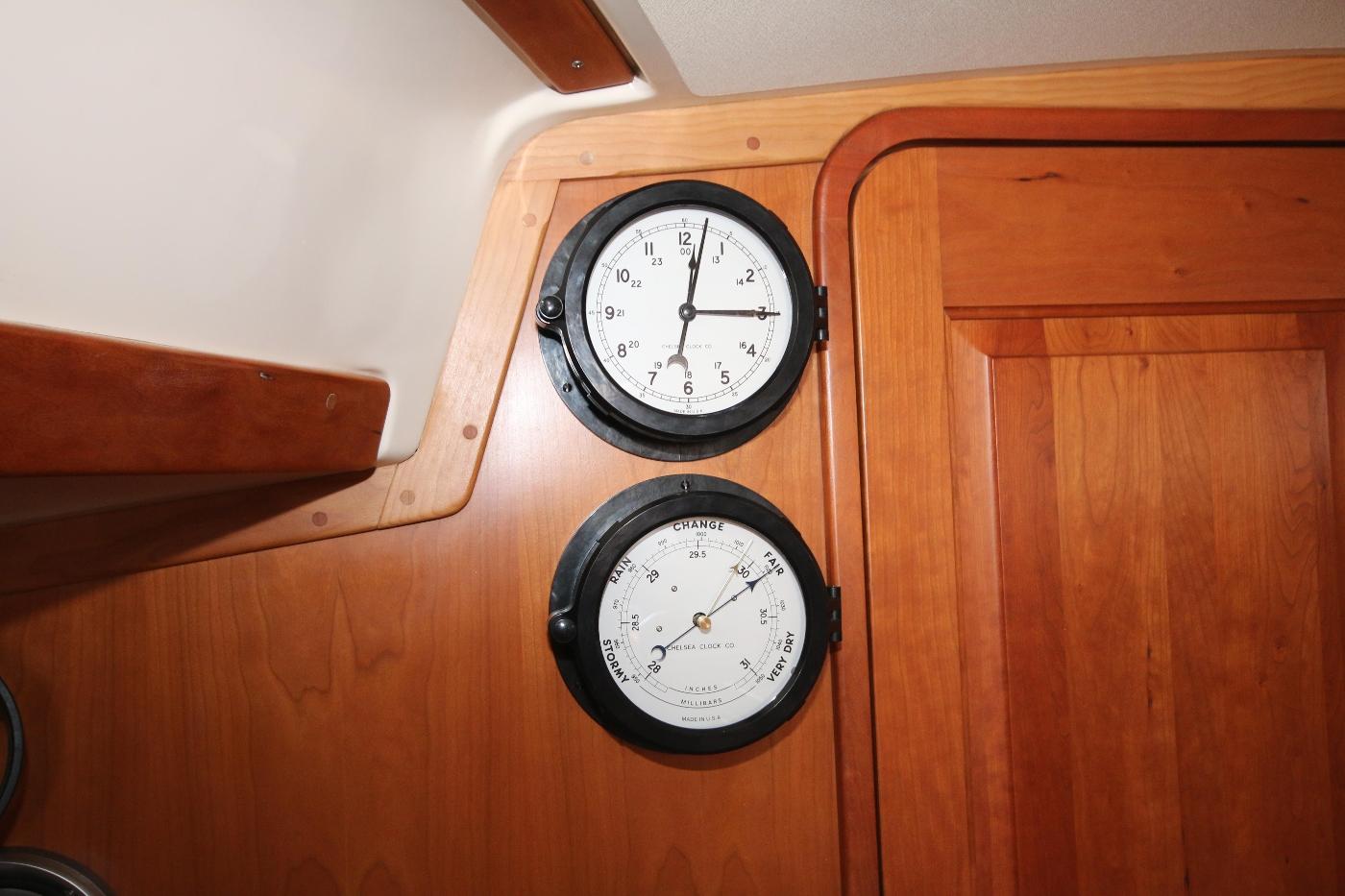 2003 Tartan 3700, Chelsea clock & barometer