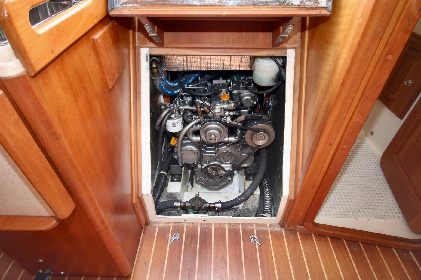 2003 Tartan 3700, Yanmar Engine