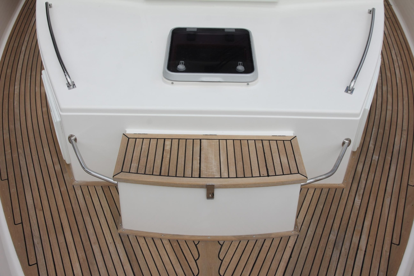 2001 Grand Banks 42 Classic, Foredeck Storage