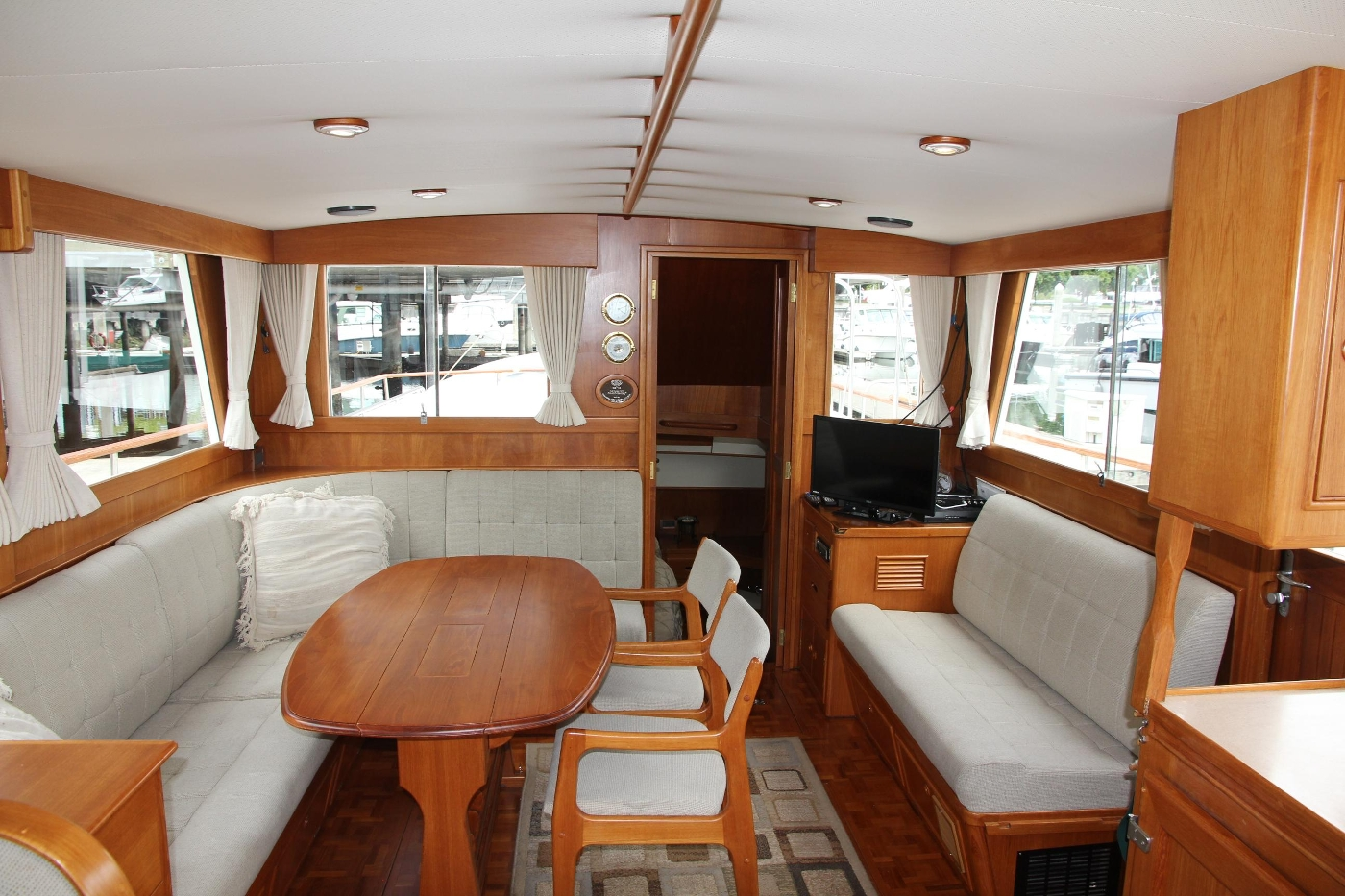 2001 Grand Banks 42 Classic, Salon Looking Aft