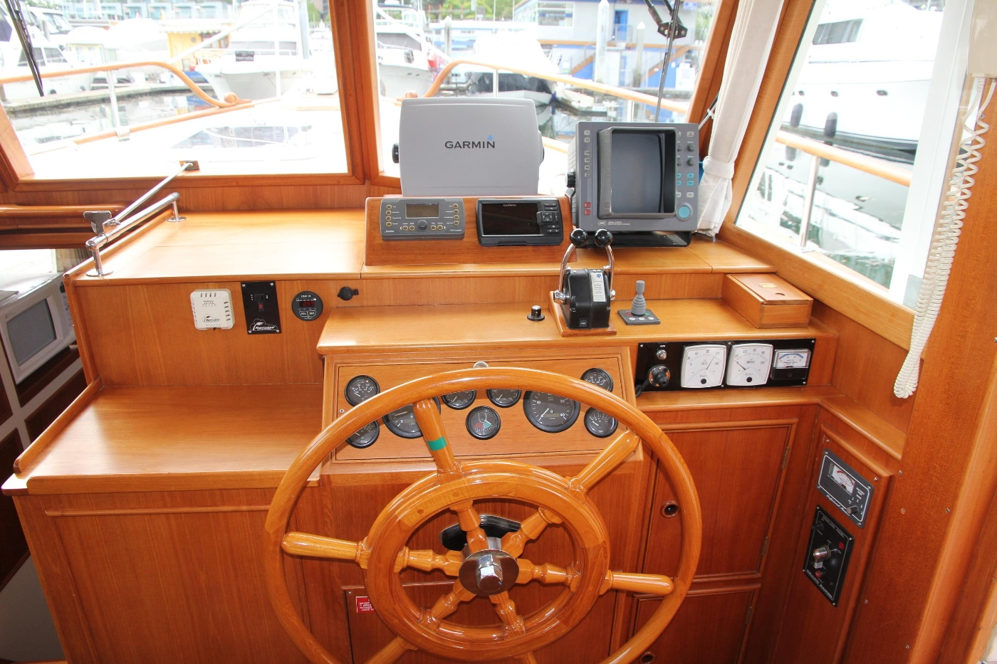 2001 Grand Banks 42 Classic, Lower Helm Station