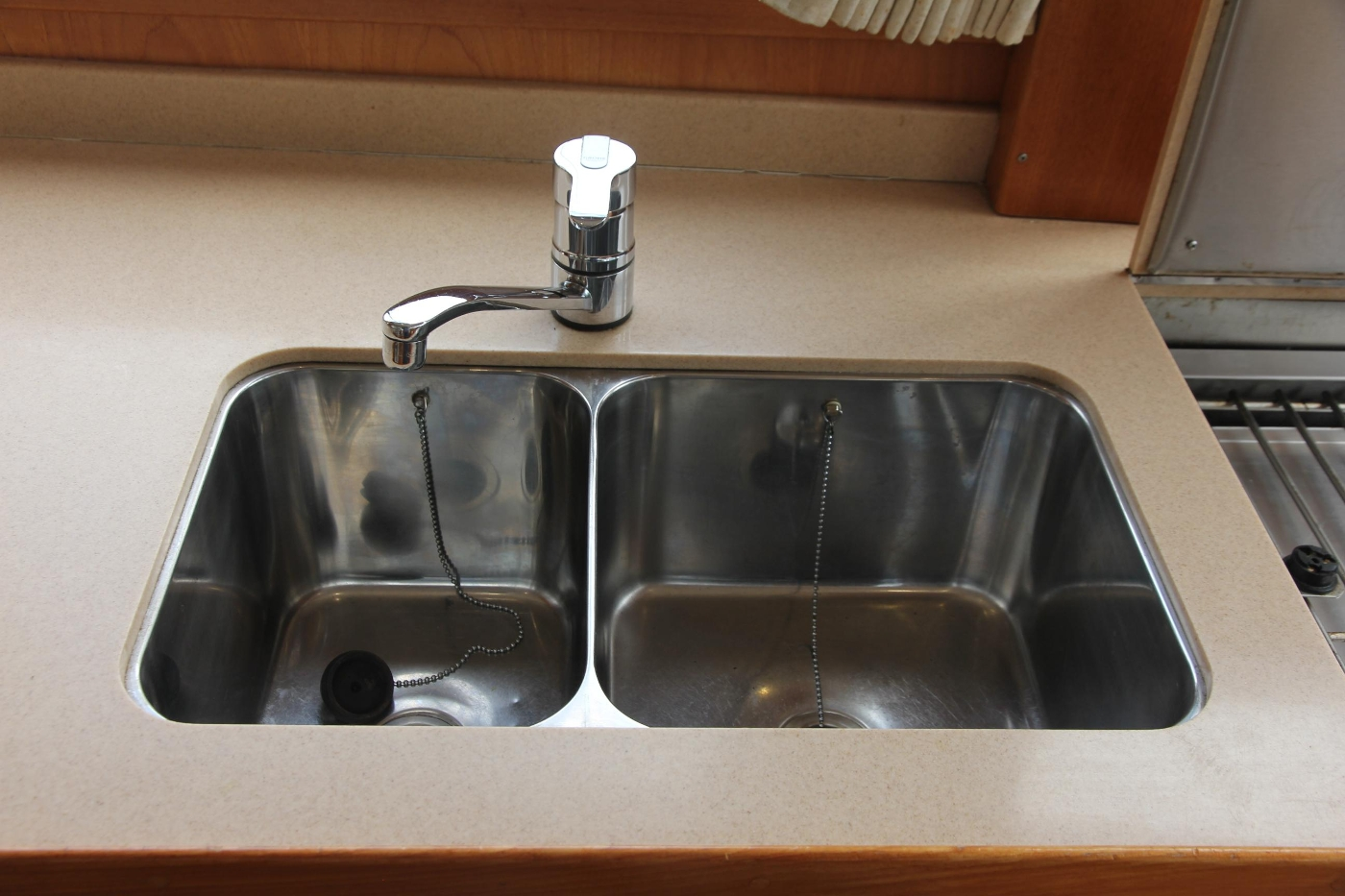 2001 Grand Banks 42 Classic, Stainless Sink