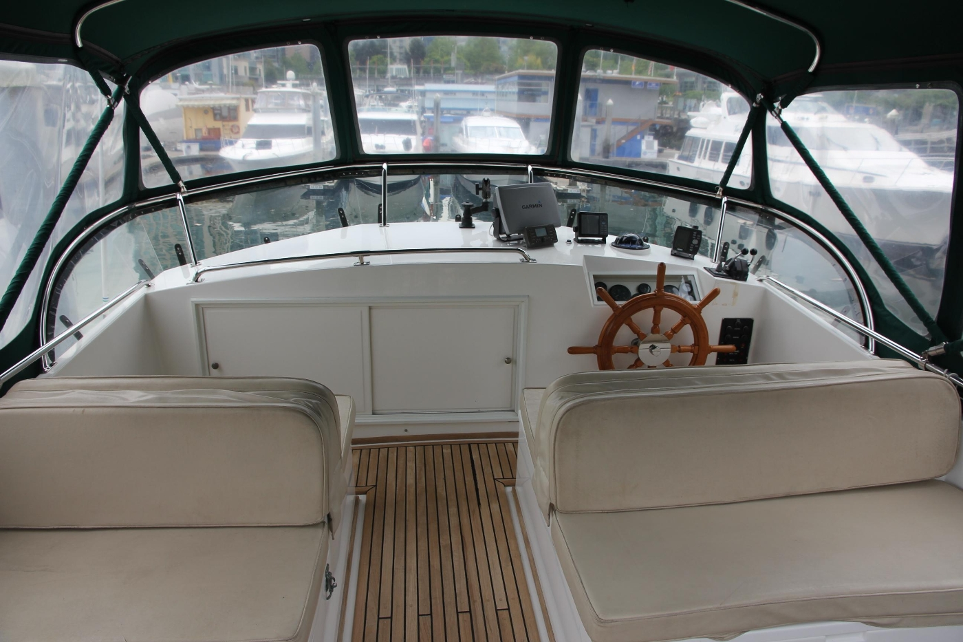 2001 Grand Banks 42 Classic, Fore and Aft Seating