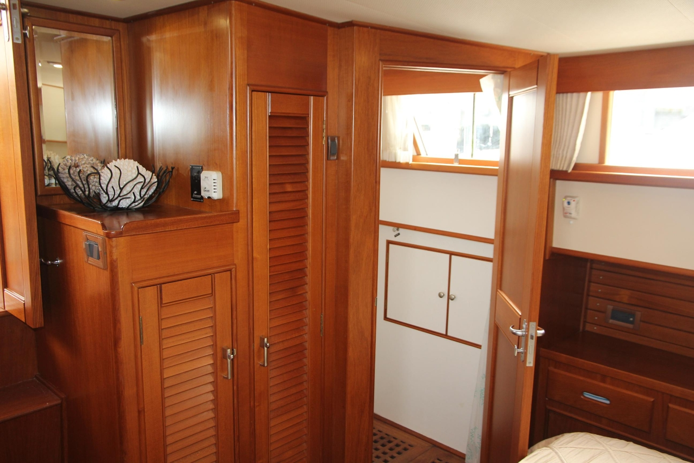 2001 Grand Banks 42 Classic, Starboard Side Shower Stall
