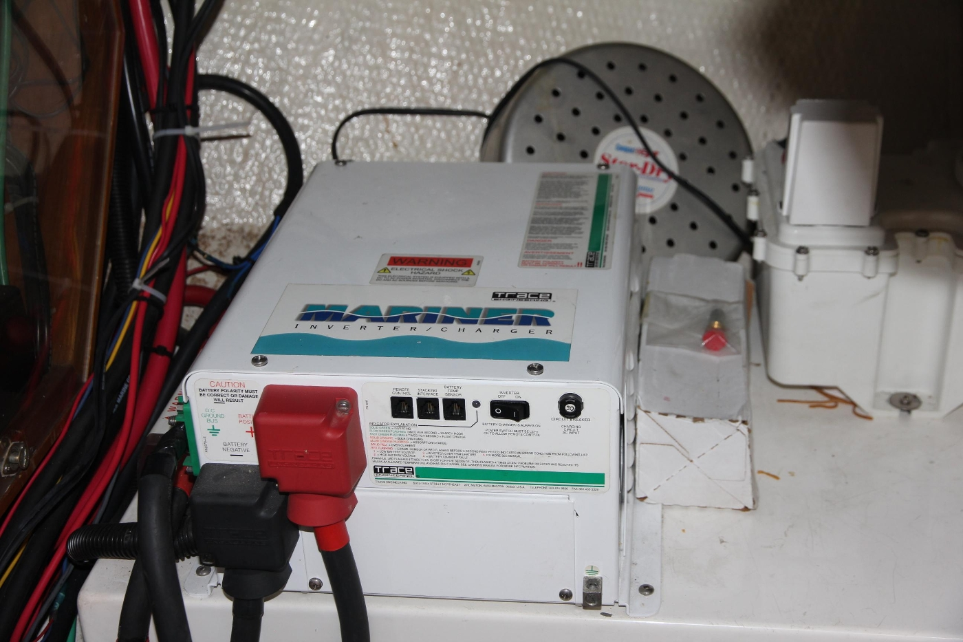 2001 Grand Banks 42 Classic, Inverter Charger