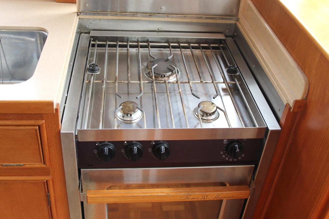 2001 Grand Banks 42 Classic, Stove and Oven