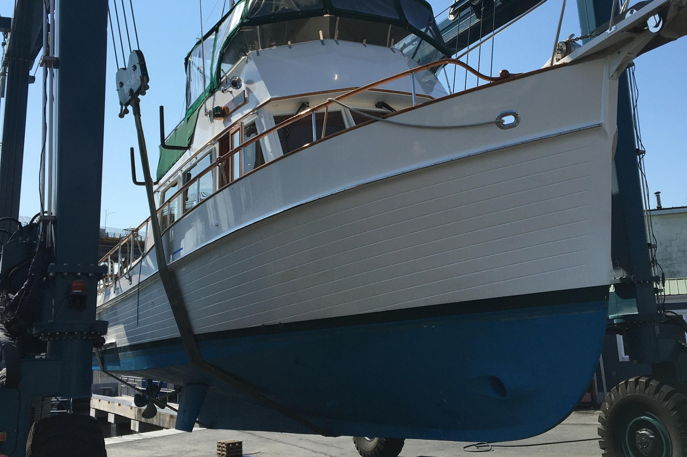 2001 Grand Banks 42 Classic, Haul Out Starboard