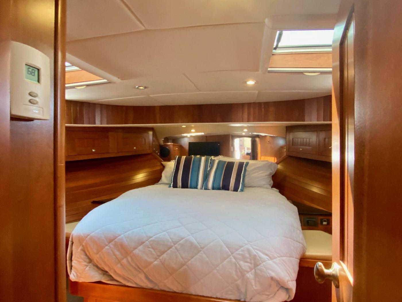 2010 Bracewell 41, Forward Cabin 3