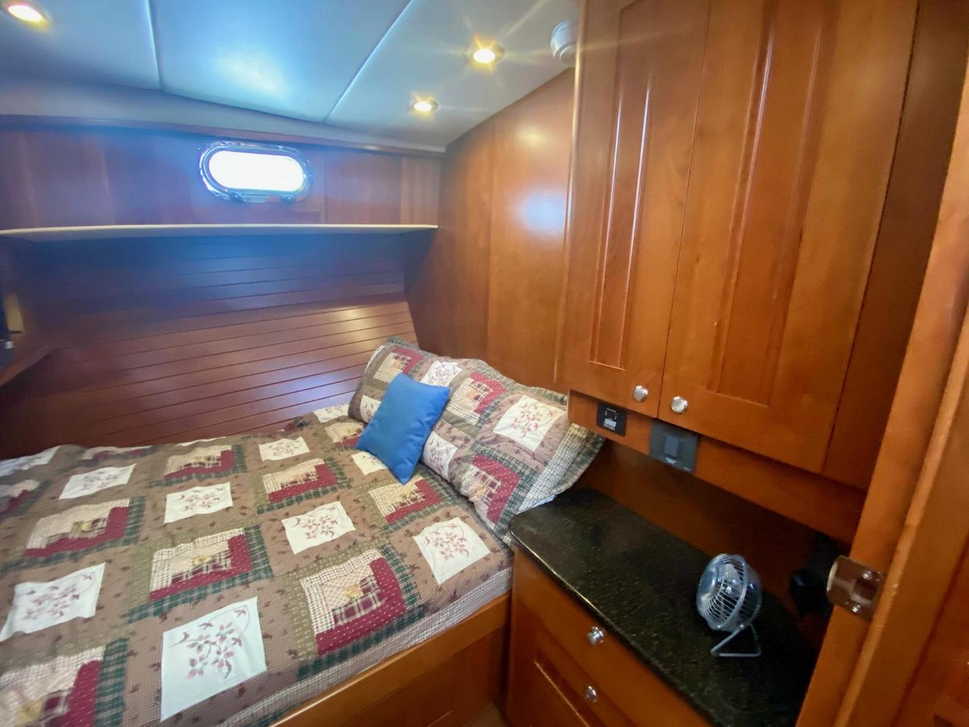 2010 Bracewell 41, Guest Cabin 2