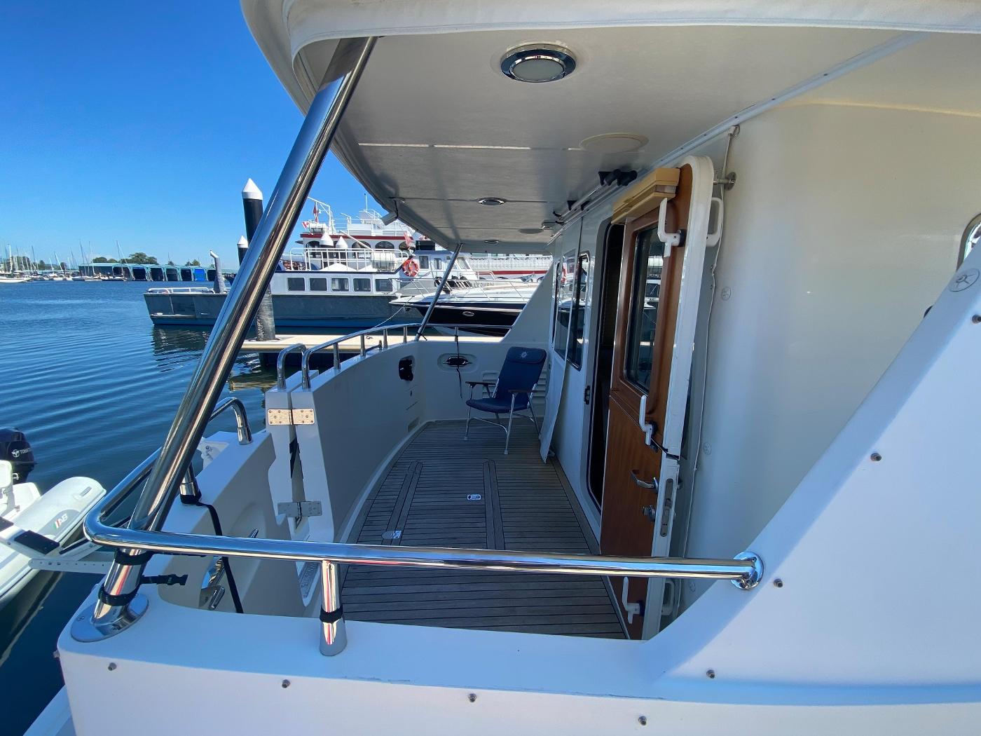 2011 Selene 45, Cockpit
