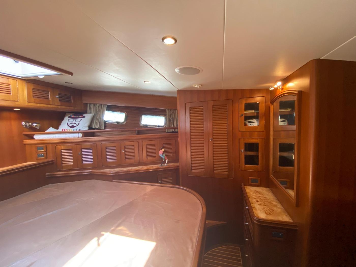 2011 Selene 45, Master cabin