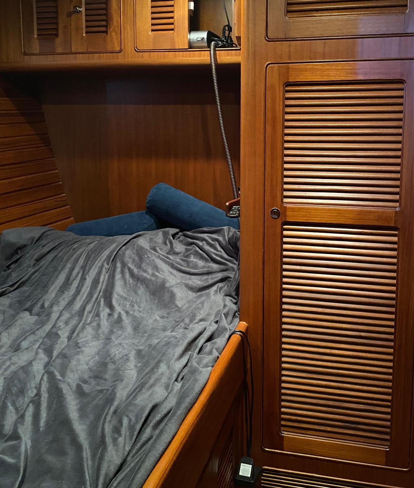 2011 Selene 45, Guest cabin