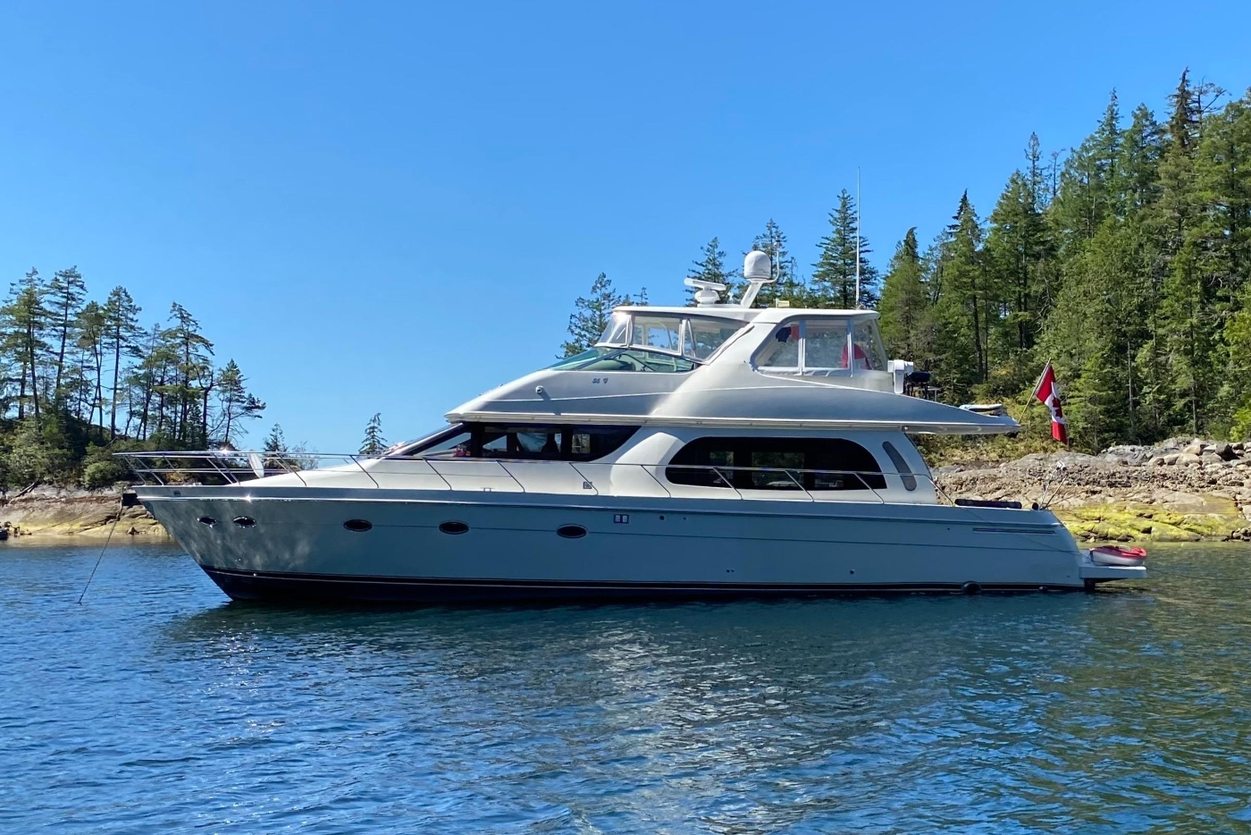 2005 Carver 560 Voyager Pilothouse, At Anchor