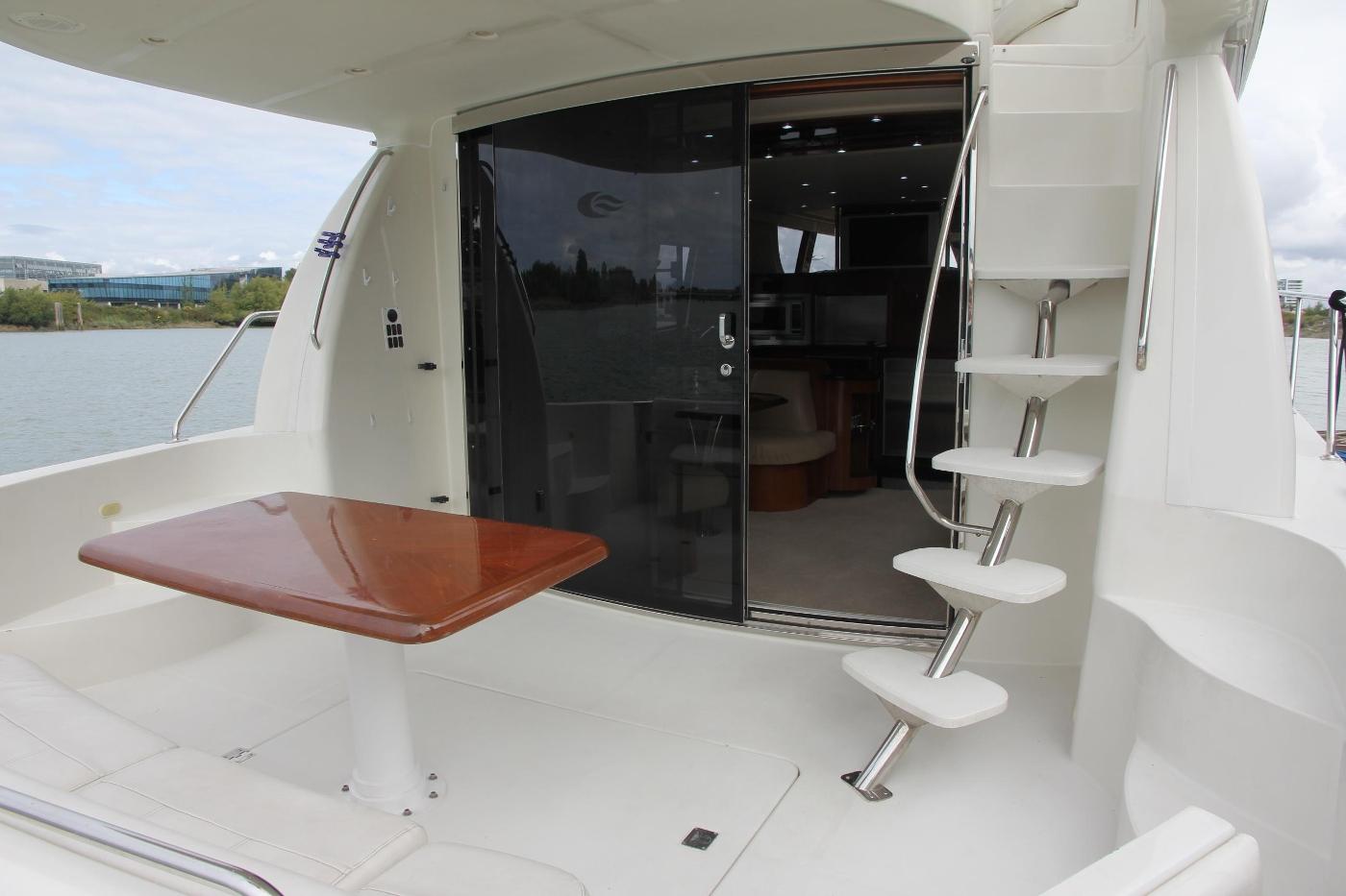 2005 Carver 560 Voyager Pilothouse, Aft Cockpit