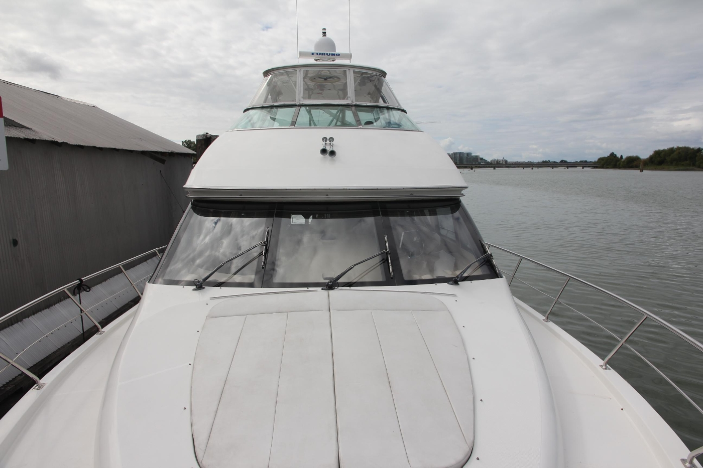 2005 Carver 560 Voyager Pilothouse, Foredeck