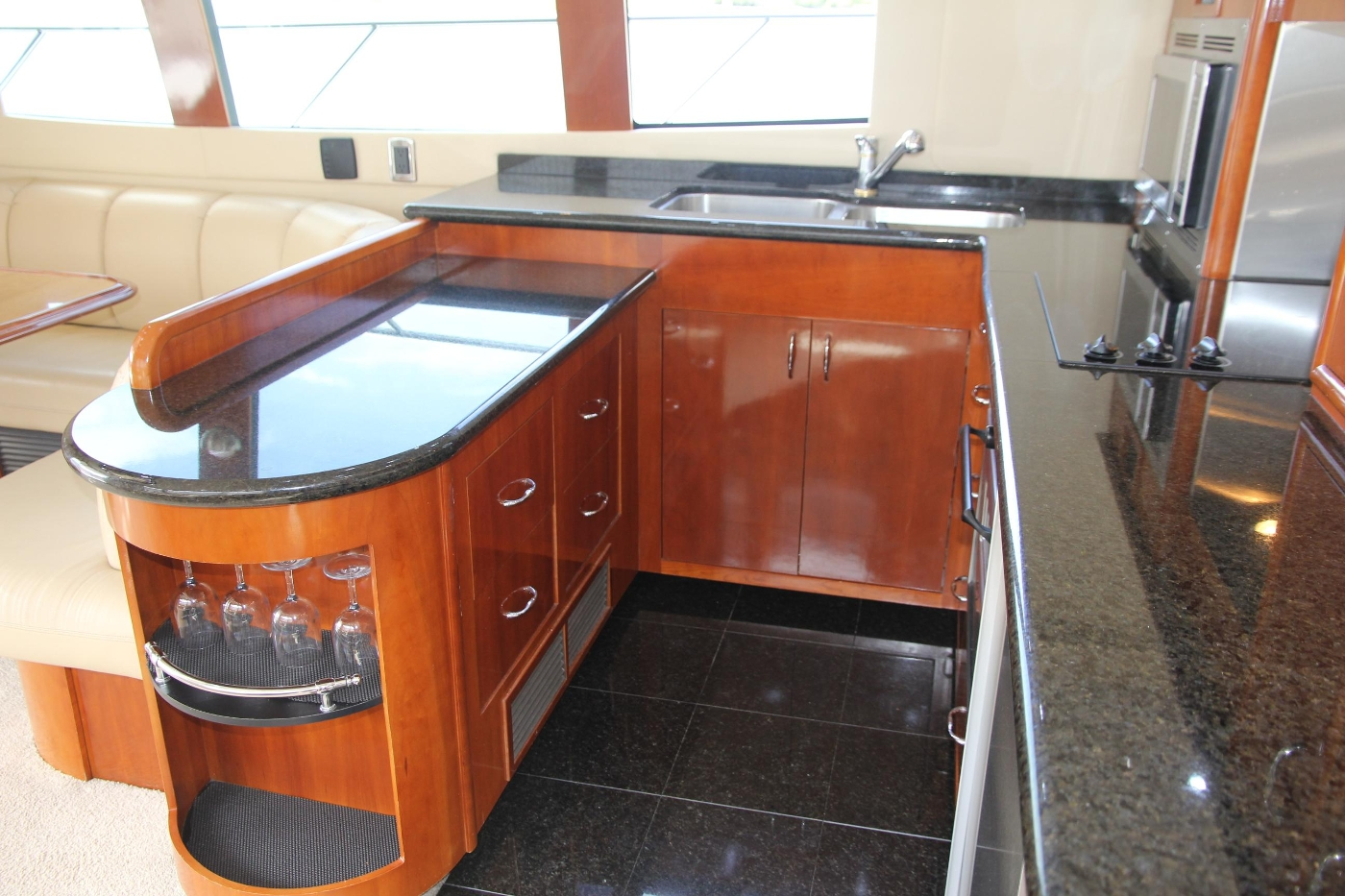 2005 Carver 560 Voyager Pilothouse, U-Shaped Galley