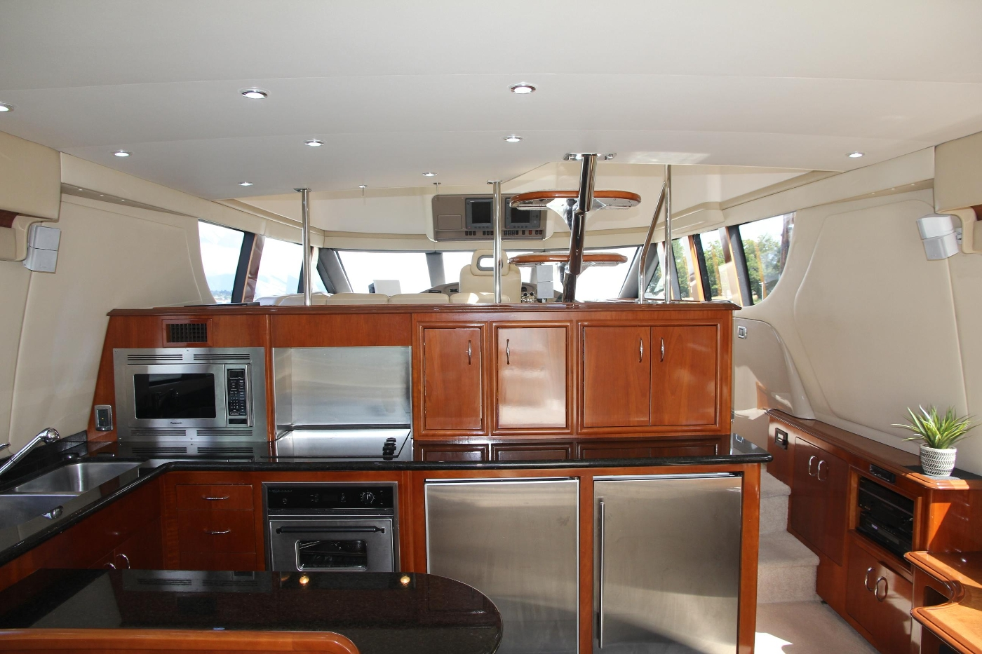 2005 Carver 560 Voyager Pilothouse, Galley Looking Forward