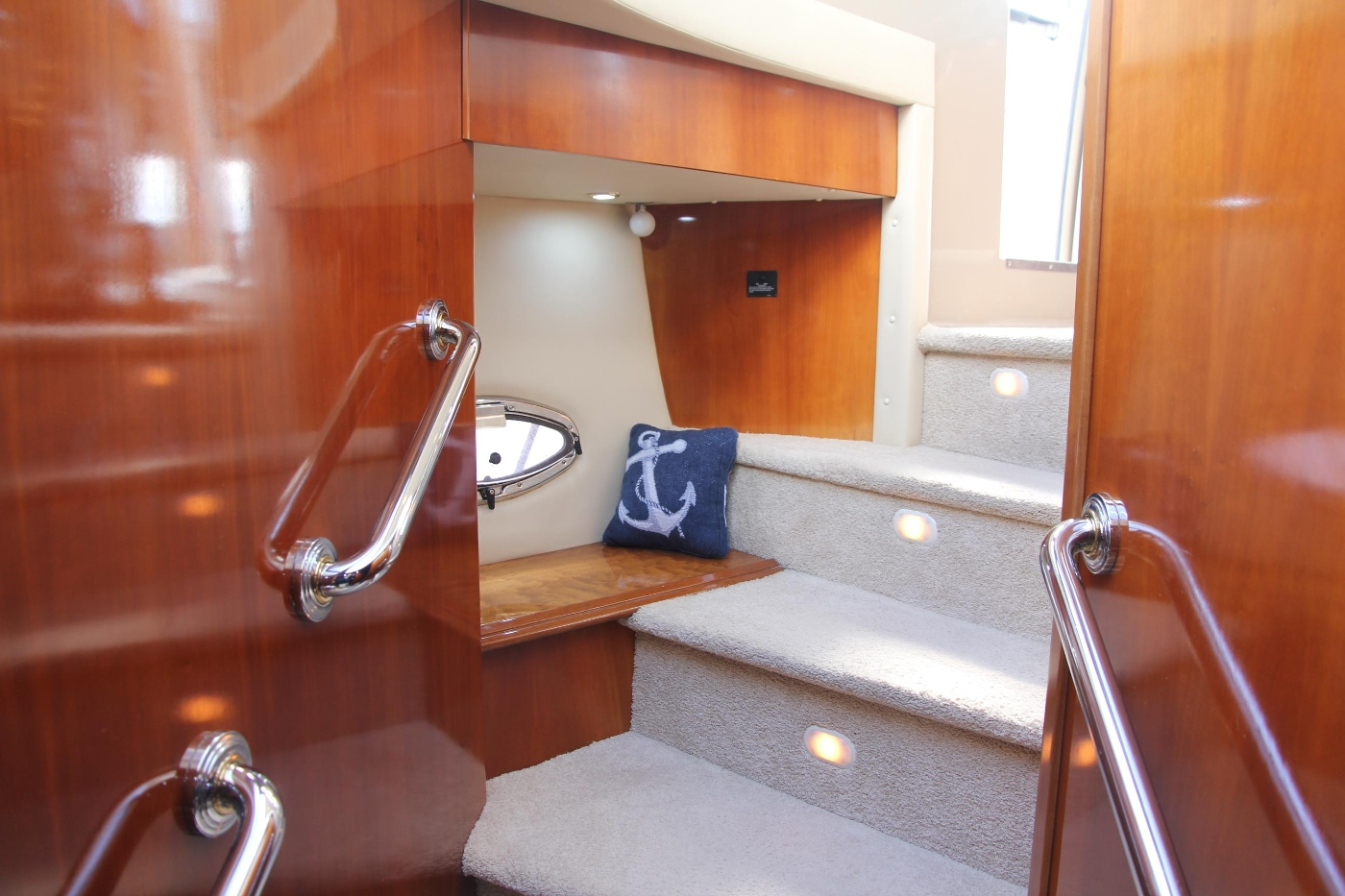 2005 Carver 560 Voyager Pilothouse, Companionway Looking Aft