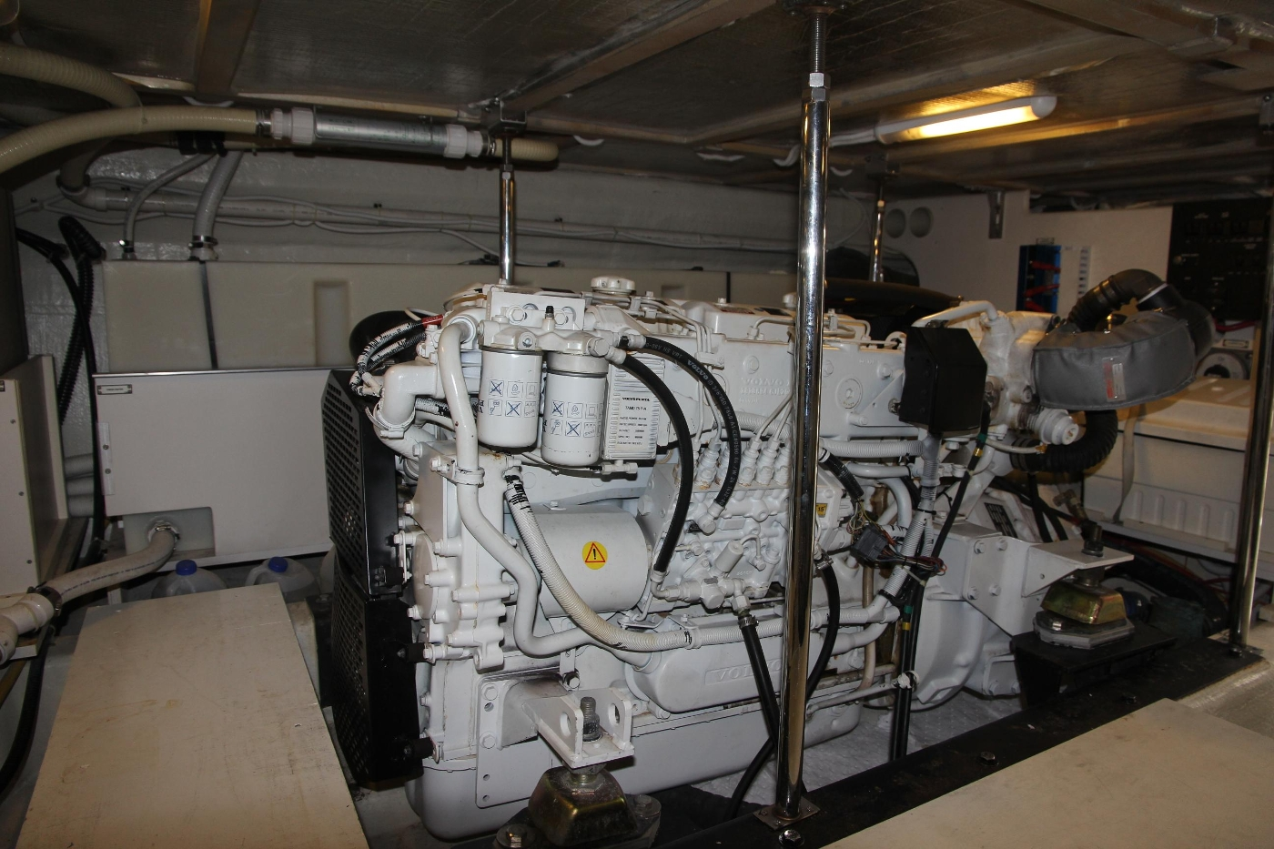 2005 Carver 560 Voyager Pilothouse, Volvo Engine