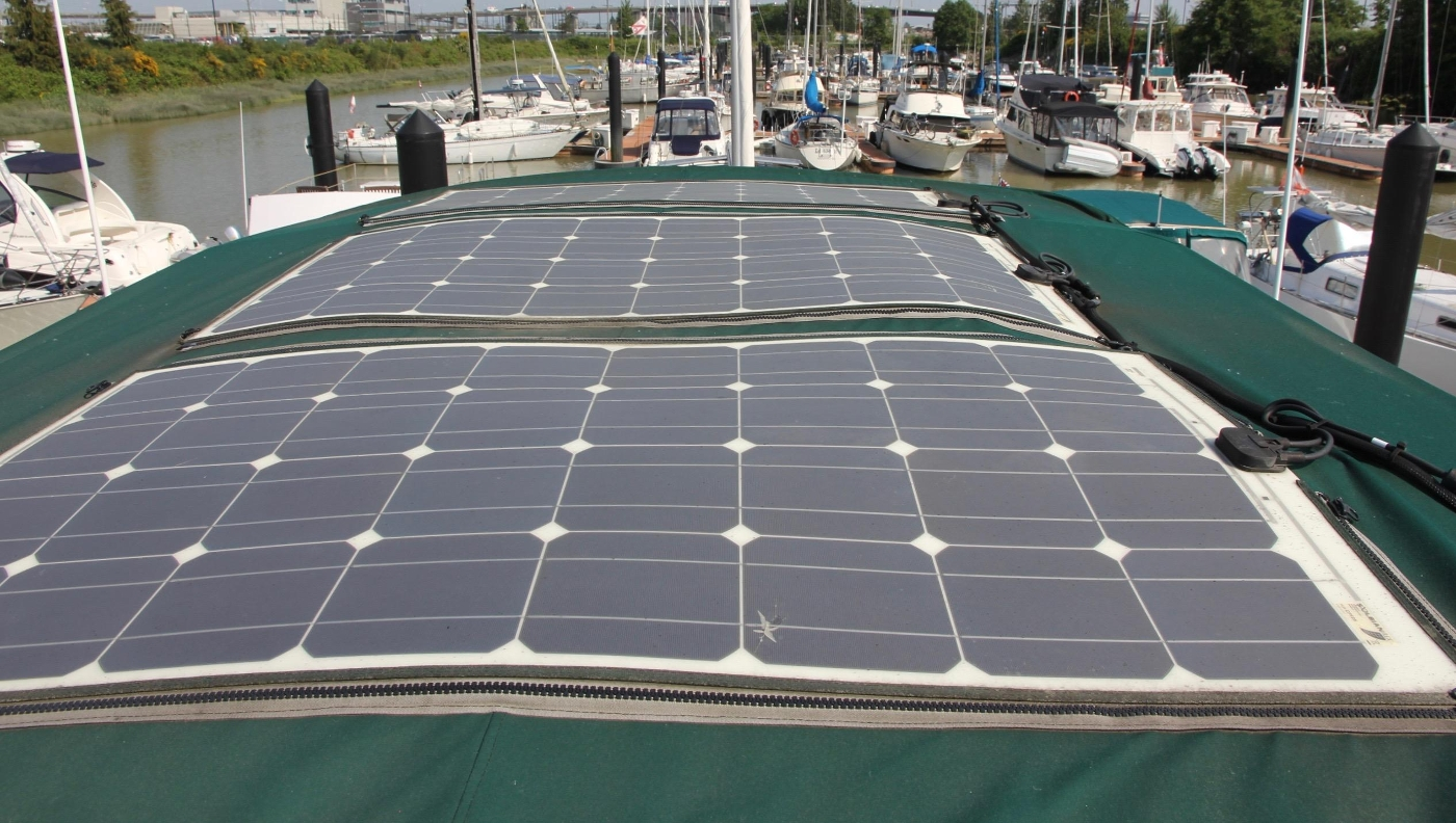 1995 Grand Banks 36 Classic, Solar Panels