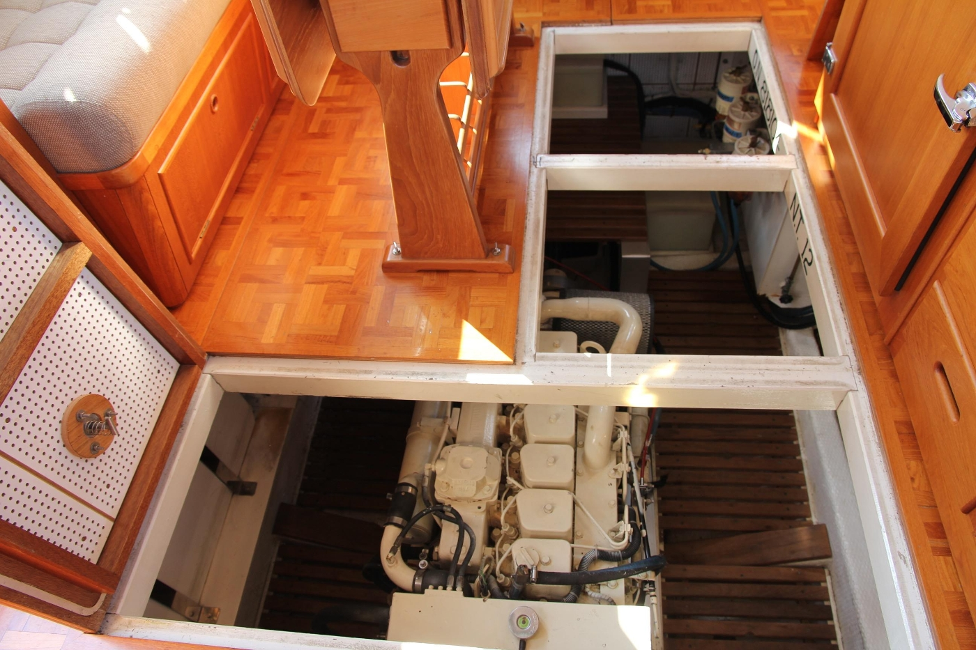 1995 Grand Banks 36 Classic, Engine Room Access