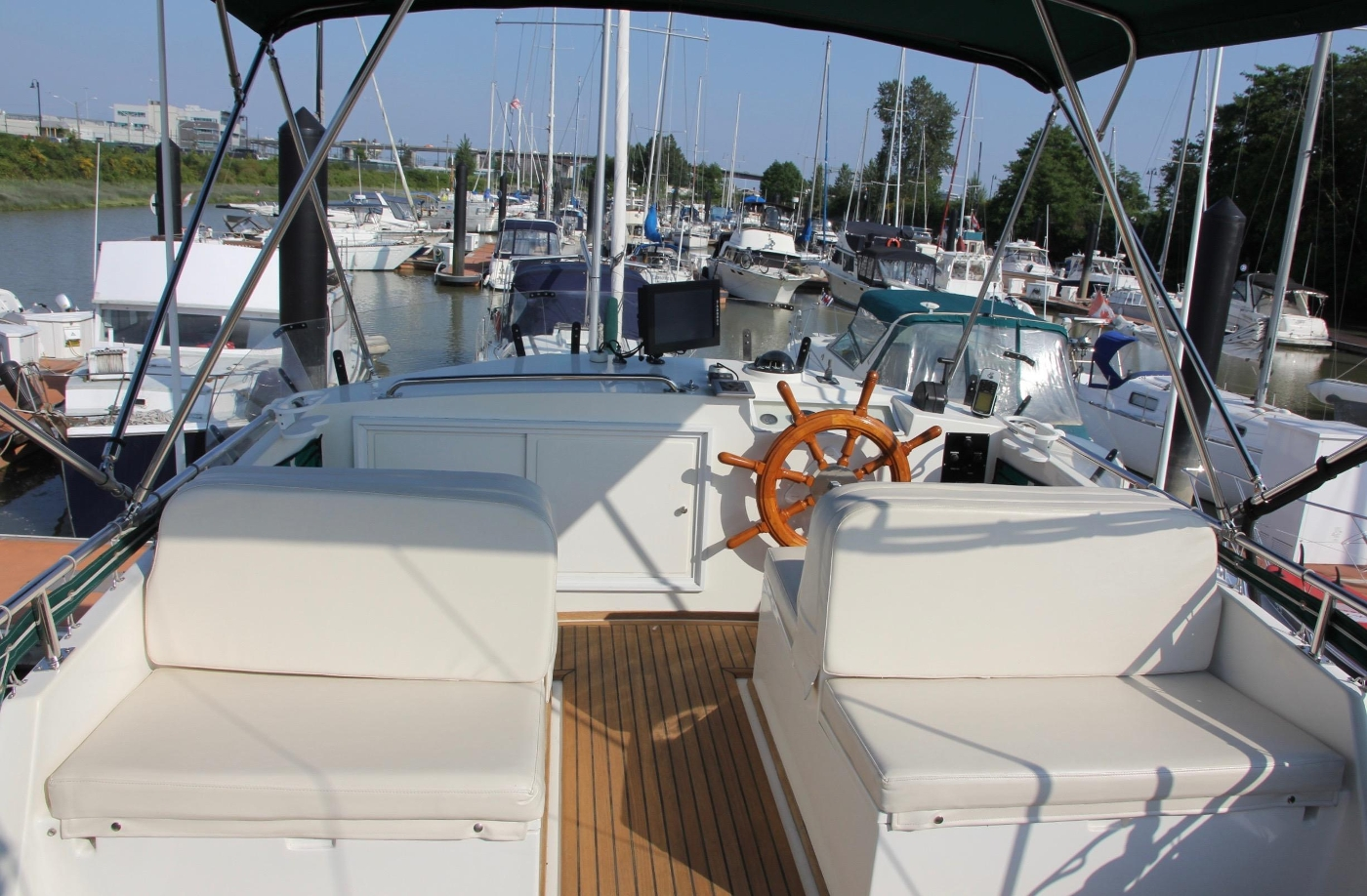 1995 Grand Banks 36 Classic, Flybridge Fore and Aft Seating