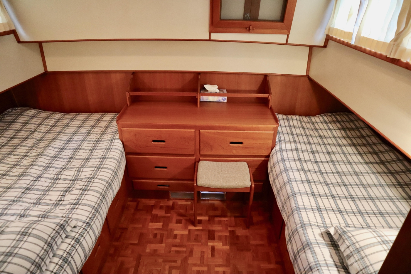 1995 Grand Banks 36 Classic, Aft Cabin