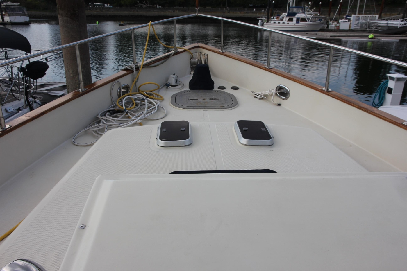 2000 Nordhavn Pilothouse, Foredeck and Anchor