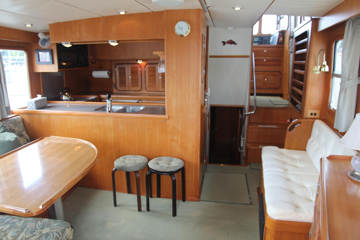 2000 Nordhavn Pilothouse, Salon Looking Forward