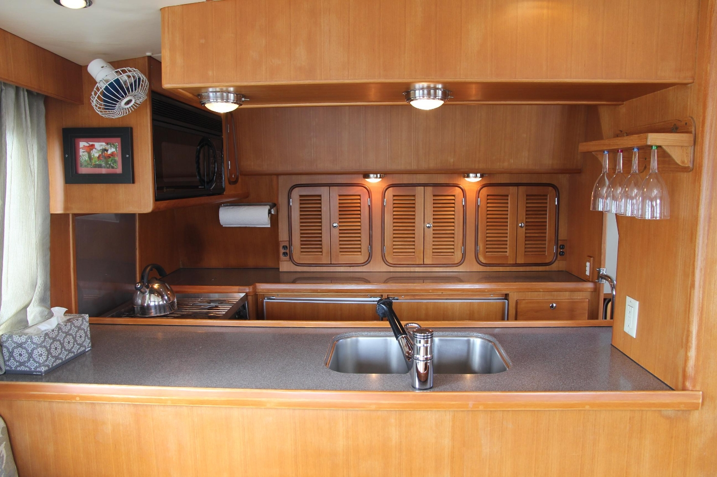 2000 Nordhavn Pilothouse, Mid Ship Galley