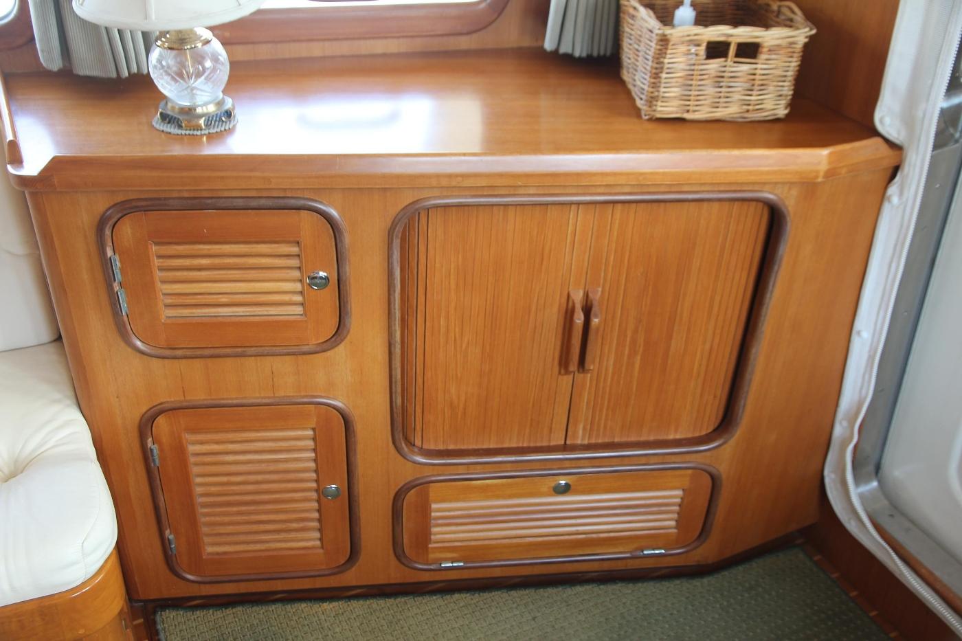 2000 Nordhavn Pilothouse, Entertainment Cabinet