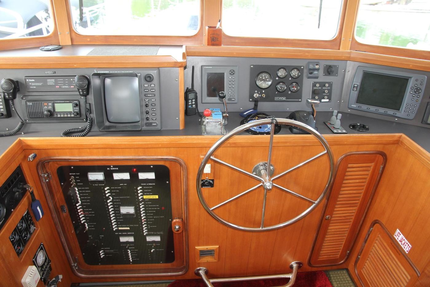 2000 Nordhavn Pilothouse, Helm Station Controls